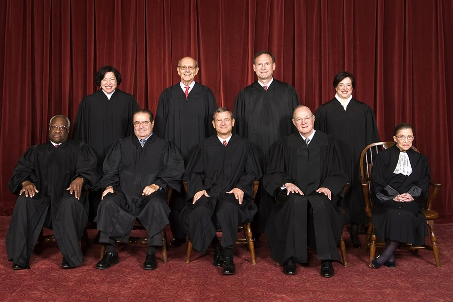 The Roberts Court, October 2010 Back row (left to right): Sonia Sotomayor, Stephen G. Breyer, Samuel A. Alito, and Elena Kagan. Front row (left to right): Clarence Thomas, Antonin Scalia, Chief Justice John Roberts, Anthony Kennedy, and Ruth Bader Ginsburg