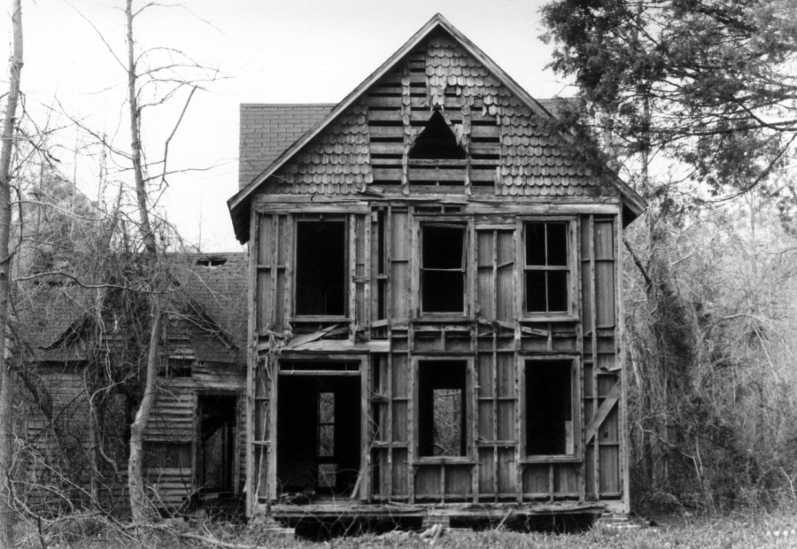 """Abandoned house in White Marsh, Virginia"" by Toby Alter - Abandoned House, 1983. Licensed under CC BY 2.0 via Wikimedia Commons - http://commons.wikimedia.org/wiki/File:Abandoned_house_in_White_Marsh,_Virginia.jpg#mediaviewer/File:Abandoned_house_in_White_Marsh,_Virginia.jpg"