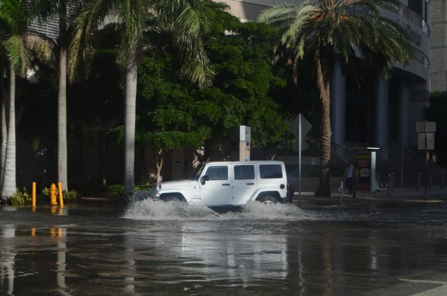 Miami_proper_tidal_flooding_09.jpg